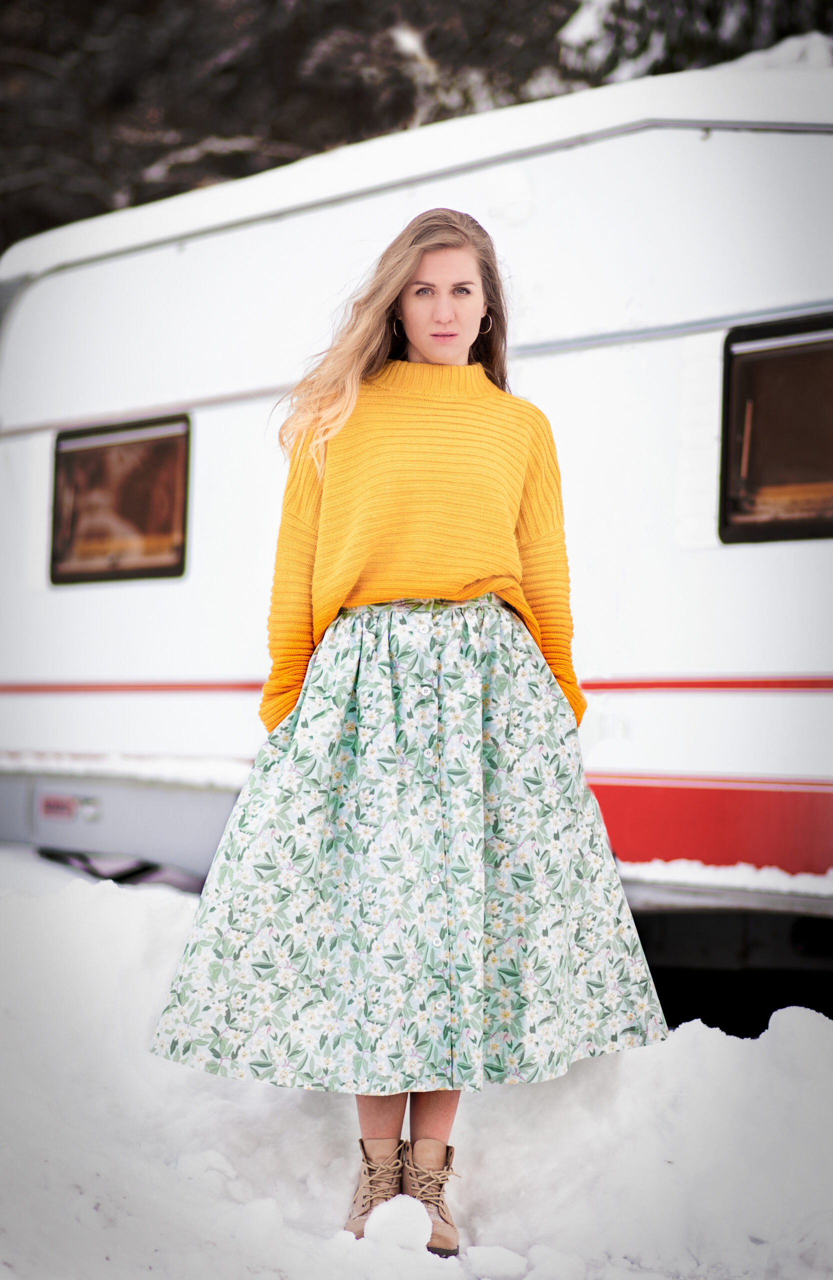 A winter session in yellow